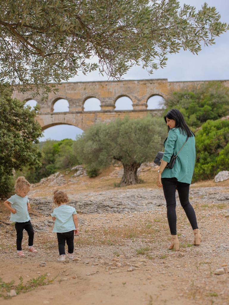 Akwedukt Pont du Gard. Zwiedzanie Pont du Gard z dzie膰mi.