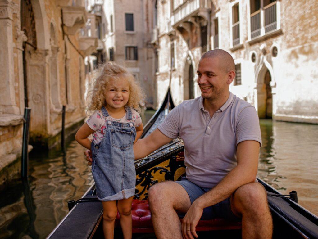 co robic z dzieckiem w wenecji rejs gondola