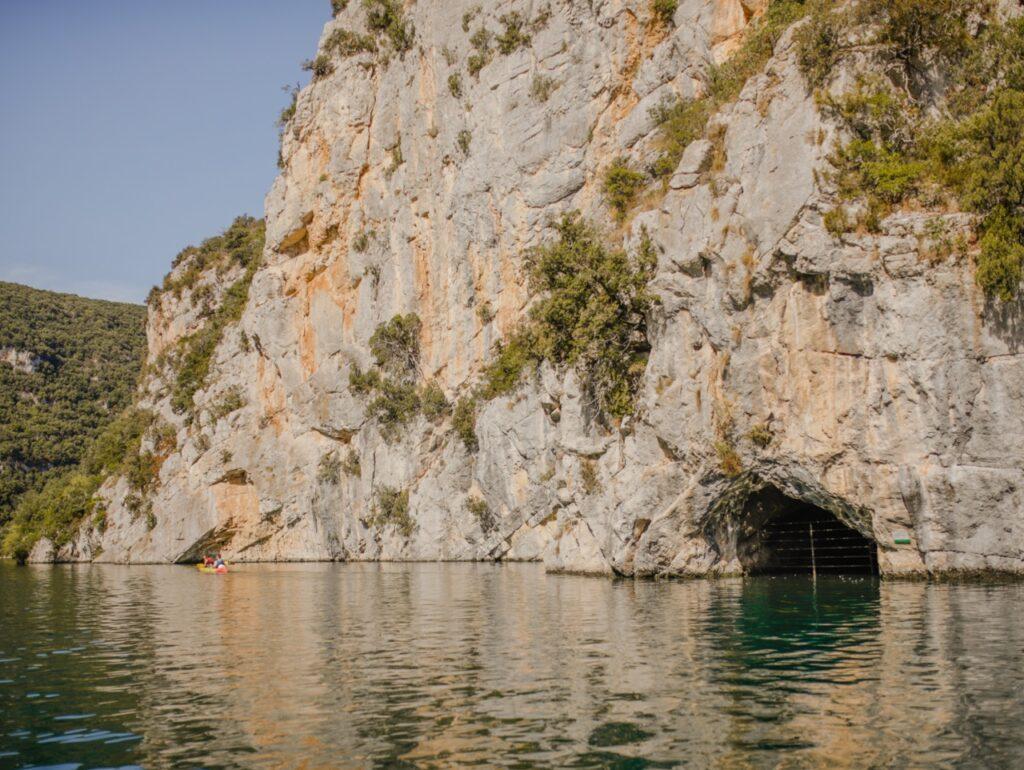 Jaskinia Nietoperzy w Kanionie Verdon.
