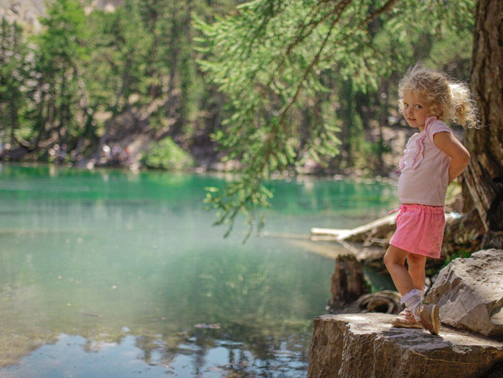 lago verde we wloszech co zwiedzic w piemoncie z dzieckiem