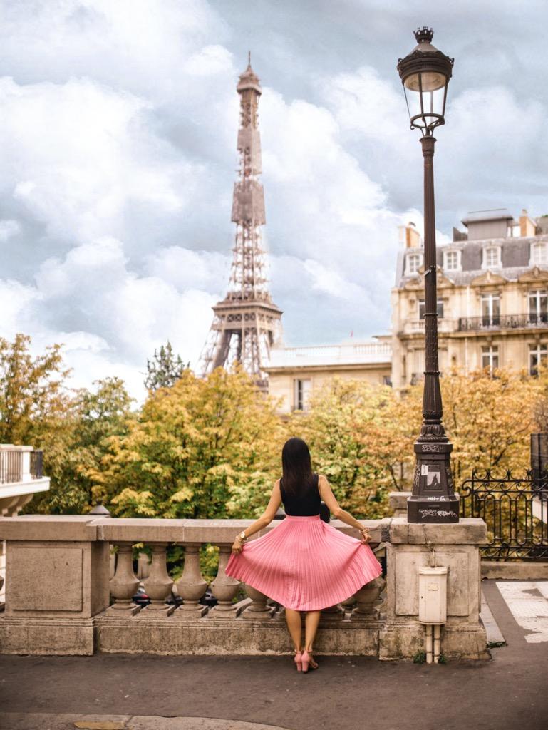 Avenue de Camoens w Paryżu. Najpiękniejszy widok na Wieżę Eiffla.