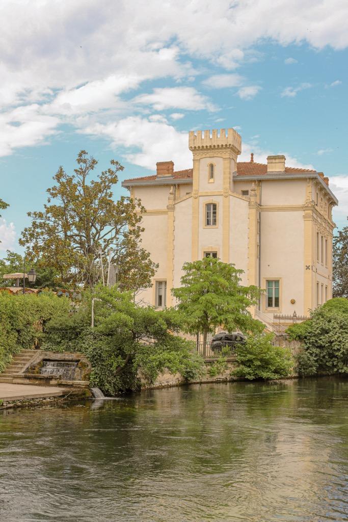 Renesansowa rezydencja w Isle sur la Sorgue w Prowansji.
