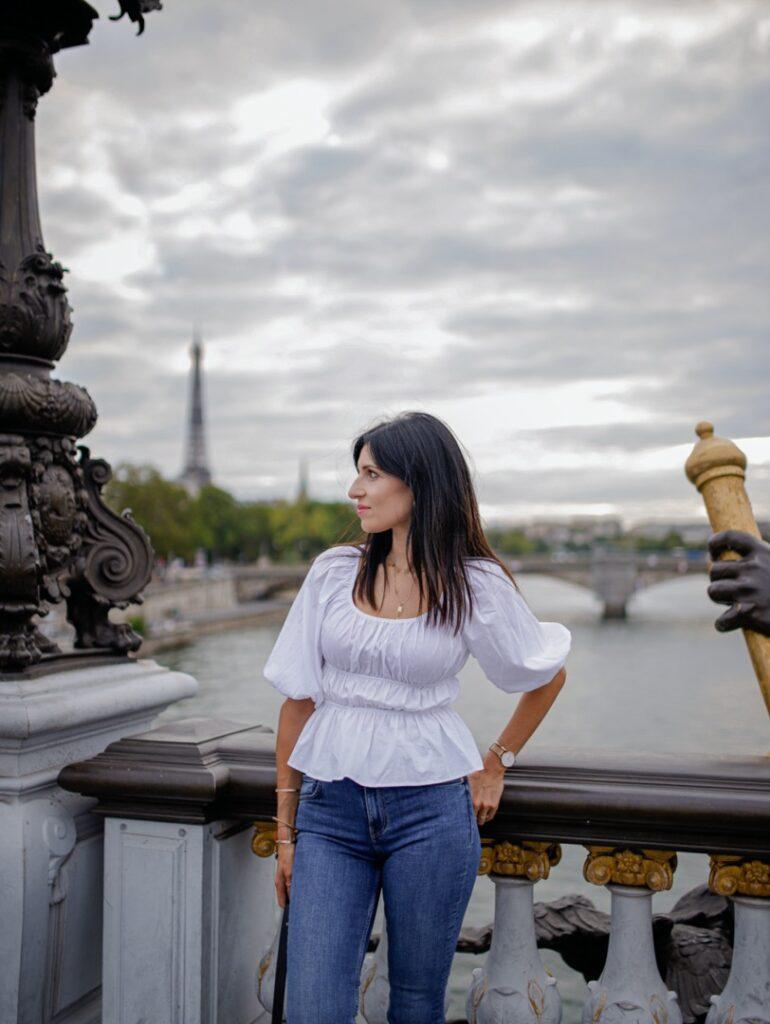 Most Aleksandra III w Paryżu. Polka w Paryżu.