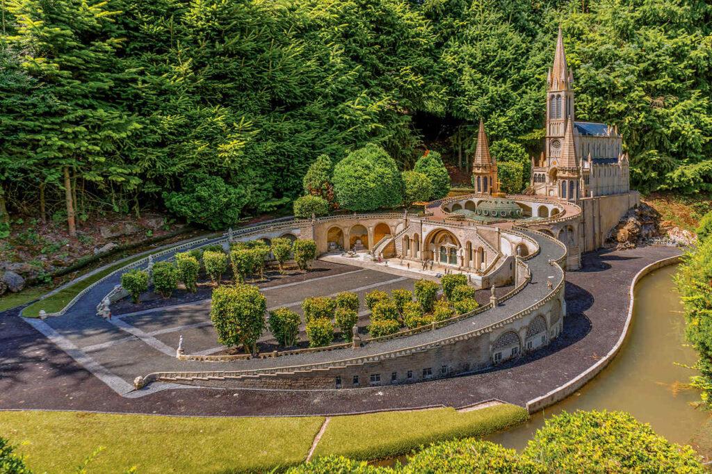 Zwiedzanie Parku Miniatur pod Paryżem