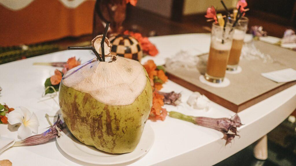 Drink w kokosie