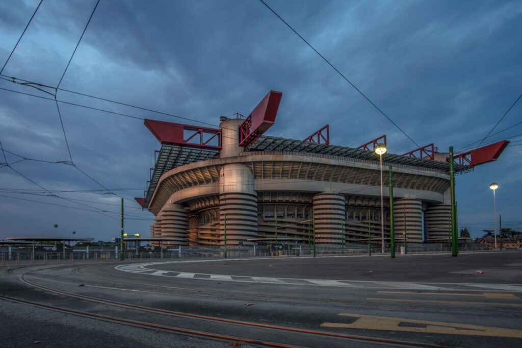strakcje w mediolanie stadion san siro w mediolanie